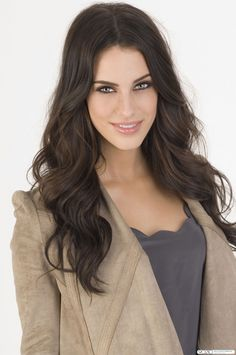 Jessica Lowndes is SO GORGEOUS. I'd like her hair and body and eyes and..just now plz. #motivation