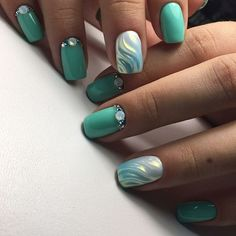 Turquoise manicure: new nail art photos with gel polish Cute Nails, Pretty Nails, Uñas Fashion, Fashion Trends, Nail Art Photos, Wall Photos, Nails 2018, New Nail Art, Green Nails