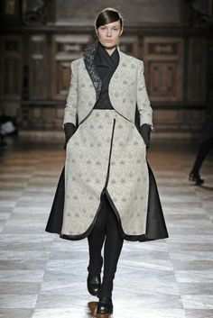 Aganovich RTW Fall 2014 [Photo by Giovanni Giannoni]