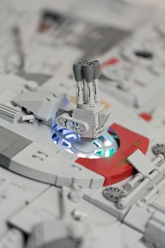 https://flic.kr/p/CmjUDe | Millennium Falcon (Starwars VII) | The millennium falcon is still the coolest spaceship in the galaxy! This is why I have always wanted to build my own version! Inspired by Mikes, WIP-images, I was encouraged to start my own project.   It took me a whole year to accomplish this build (including planning and collecting bricks).  My main goal was to present the model in a flying position, which was a huge task. Due to its internal framework it was not possible to…