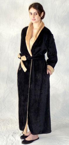 ebbf1d04076 karen Luu robe I want Contrast Color