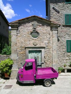 "Pink Ape (""ah-peh"" is Italian for ""Bee"", the truck line to compliment the ""Vespa"" or ""wasp"") Pescia, Pistoia Tuscany Italy"