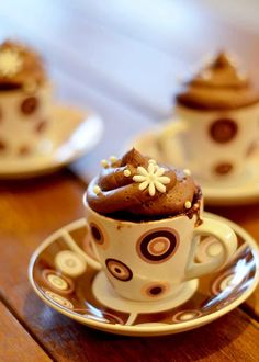 Literally cup-cakes. Beautiful idea. Must try! www.bitsofsunshine.com