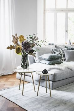 Creating our own interior collection has been our dream since Westwing was fou Bedroom Carpet, Living Room Carpet, Rugs In Living Room, Living Room Decor, Home Living, Canapé Design, Ideas Hogar, Sofa Styling, Piece A Vivre