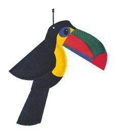 Pour Manon! Toucan avec assiettes de papier... I love this toucan craft! Made out of paint and paper plates!