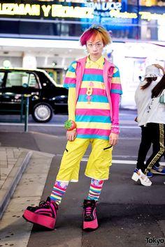Harajuku Fashion Walk organizer wearing kawaii street fashion from Candy Stripper, Walter Van Beirendonck, and Buffalo platforms. Fashion Walk, Tokyo Fashion, Harajuku Fashion, Kawaii Fashion, Fashion Outfits, Fashion 2015, Poses, Tokyo Street Style, Korean Fashion Trends