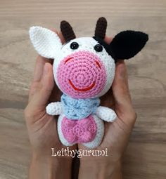 Leithygurumi: Cute Little Cow English and Turkish Pattern