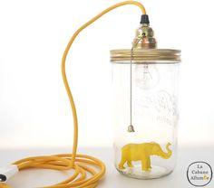Lampe Le Bocal Allumé Baladeuse - L'éléphant Jaune : Luminaires par la-cabane-allumee