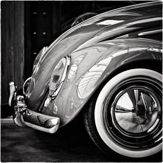 """Gorgeous shot of a VW Bug... I don't think I want an SUV anymore... I might wanna vw bug and call it """"Gertie"""""""
