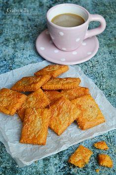 Füstölt sajtos keksz Winter Food, Cake Cookies, Cornbread, Fudge, French Toast, Paleo, Food And Drink, Low Carb, Snacks