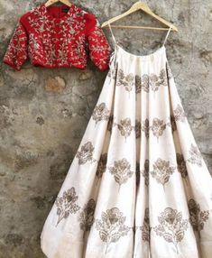 Indian bridal outfits red color combos Ideas for 2019 Indian Gowns, Indian Attire, Indian Wear, Indian Wedding Outfits, Bridal Outfits, Indian Outfits, Lehnga Dress, Lehenga Choli, Anarkali