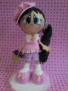 Boneca de EVA  22 cm de altura  Personalização de cores roupa, cabelos, olhos e pele R$ 38,00