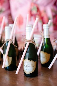 Details: Champagne Minis for the Bridal Party #meetthehamptons