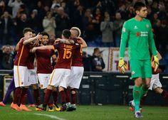 @asroma Grande vittoria della Roma, che si sbarazza con un perentorio 4x1 della Fiore: a segno Stephan El Shaarawy e Mohamed Salah con doppietta, gloria anche per Diego Perotti #9ine