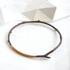 DIY wooden branch bracelet.  (Template in French)