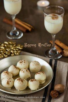 Eggnog Truffles recipe - these gorgeous white chocolate truffles taste just like eggnog Candy Recipes, Holiday Recipes, Dessert Recipes, Christmas Recipes, Fudge, Chocolates, Just Desserts, Delicious Desserts, Yummy Food