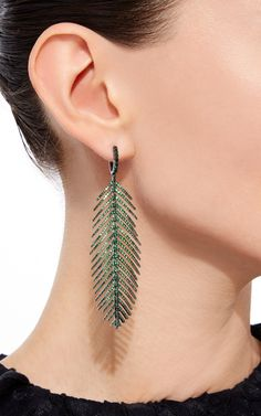 Sidney Garber Spring Summer 2016 - Preorder Now on Moda Operandi Ear Jewelry, High Jewelry, Luxury Jewelry, Body Jewelry, Leaf Earrings, Diamond Earrings, Sidney Garber, Jewelry Patterns, Beautiful Earrings