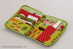 small first-aid kit! Super handy - Do It Yourself Bag Patterns To Sew, Sewing Patterns, Diy Mode, Leather Gifts, Sewing Accessories, Little Bag, Pouch Bag, Small Bags, Jewelry Organization