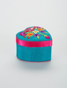 EMBROIDERY H box turkos | Jewelry/small boxes | Decorations | Dekorationer | Inredning | INDISKA Shop Online