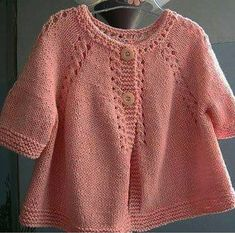 Our day is a very lush robbed day … Hey Bee-Otch Mittens Mitten Pattern Knitting Pattern Bee Baby Cardigan Knitting Pattern, Baby Knitting Patterns, Baby Patterns, Baby Girl Cardigans, Knit Baby Sweaters, Magia Do Crochet, Handgemachtes Baby, Child Baby, Baby Kind