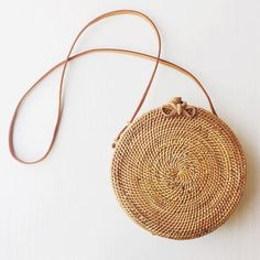 Caker Summer Round Woven Straw Bag Rattan Satchel Wind Bohemia Beach Bag Handmade Circle Messenger Bag Butterfly Shoulder Bags, Beach Outfits, Caker Summer Round Woven Straw Bag Rattan Satchel Wind Bohemia Beach B – ivroe. Girls Accessories, Fashion Accessories, Travel Accessories, Handbag Accessories, Fashion Jewelry, Fendi, Round Straw Bag, Round Bag, Round Basket