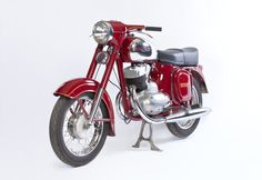 Jawa 250 Automatic (1954) Vintage Motorcycles, Cars And Motorcycles, Scooters, Vintage Romance, Old Bikes, Pedal Cars, Classic Bikes, Sidecar, Retro Cars