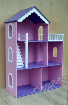 Купить или заказать Кукольный домик в интернет магазине на Ярмарке Мастеров. С доставкой по России и СНГ. Срок изготовления: от 7 до 14 дней. Материалы: фанера, акриловые краски. Размер: Высота домика 117 см, ширина 80 см,…