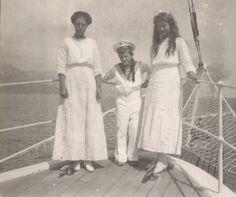 Olga Alexandrovna, Alexis et Maria