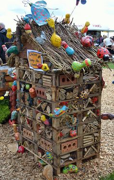 A rather colourful take on a bug hotel #homesfornature