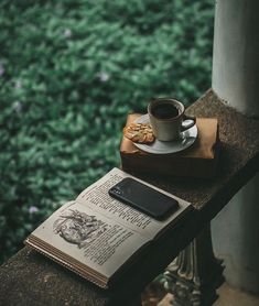 coffee and books for everyone 👻 Coffee And Books, Coffee Love, Coffee Shop, Coffee Break, Black Coffee, Cozy Aesthetic, Aesthetic Green, Slytherin Aesthetic, Coffee Photography