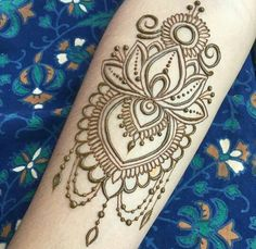 Cute for shoulder tattoo! #henna_shoulder_tattoo