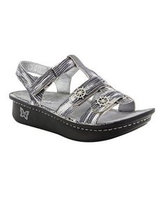 bbaa93a5b26 13 Best (Orthodically correct) shoes! images