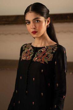 Embroidery Suits Punjabi, Kurti Embroidery Design, Embroidery Fashion, Hand Embroidery, Beaded Embroidery, Suit Fashion, Fashion Dresses, Pakistani Formal Dresses, Indian Attire