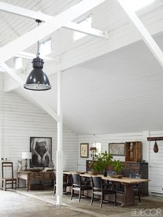 A ranch #dining_room in California with a mix of #vintage_pieces