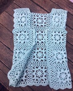 simple pattern and great resulCrochet Summer Lace Cotton Top sleeve Feminine style Blouse Melange color Crochet Top Boho tunic handmade blouse Beachwear for womanWhite top to. Crochet Waistcoat, Gilet Crochet, Crochet Coat, Crochet Jacket, Crochet Blouse, Crochet Motif, Crochet Shawl, Crochet Clothes, Easy Crochet Patterns