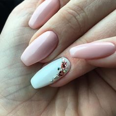 Ich mag sie von Tag zu Tag mehr ☺️ #ballarinanails #swarowski #rosa #nailart #fingernagelfachstudio