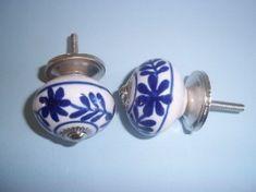porseleinen knop blauw wit handgeschilderd