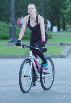 Chicas en bicicleta, entrenando