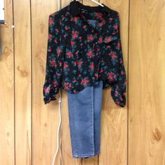 Extra small blouse and jeans Blouse new with tags and retails for $40 jeans fit an xs and are from Aeropostale. A real steal! Blouse says small but fits an xs best Tops Blouses