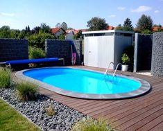 Der eigene Pool im Garten sorgt auch zu Hause für das richtige Urlaubsflair. #pool #oval