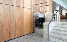 Rollstuhl-Hebebühnen von HIRO LIFT: http://www.hiro-aufzuege.de/behindertenaufzuege/aufzugsarten-einsatzmoeglichkeiten/rollstuhl-hebebuehnen.html