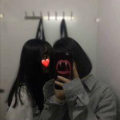 Save= flow me Couple Ulzzang, Ulzzang Korean Girl, Lgbt, Korean Best Friends, Girl Couple, Uzzlang Girl, Korean Aesthetic, Best Friend Photos, Cute Poses