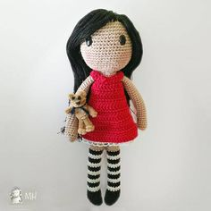 This week's free pattern on amigurumipatterns.net is this gorjuss doll by Madres hiperactivas: http://www.amigurumipatterns.net/Dolls/Gorjuss-doll/