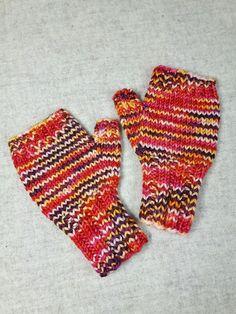 Fingerlose Kinderhandschuhe 2 bis 3 Jahre, die sind so warm und weich, die möchte man gar nicht mehr ausziehen. Farbe: verschiedene Pink- Orange-