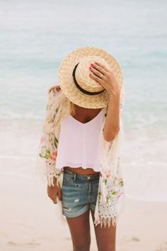 Another example of a summer kimono 20 takes off #airbnb #airbnbcoupon #cuba