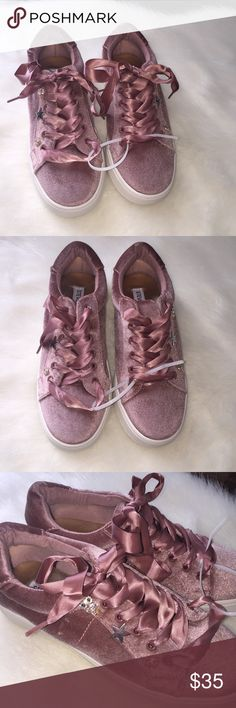 Steve Madden pink velvet girls tennis shoes These girls size 4 Steve Madden rose pink velvet tennis shoes are adorable with their rose pink ribbon laces and their gold embellishments of a rhinestone studded owl and lips and a gold star. These are NWT but do not come in a shoebox. Steve Madden Shoes Sneakers