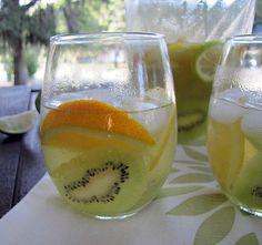 New Zealander Sangria: kiwi, orange, Sauvignon Blanc. Loved it.