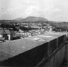 látkép a Líceum teraszáról, szemben a régi Zsinagóga és a vár.