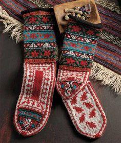 Ravelry: Colorful Armenian Socks pattern by Priscilla Gibson-Roberts Piecework Jan/Feb 2013 Crochet Socks, Knit Mittens, Knitting Socks, Hand Knitting, Knitting Patterns, Knit Crochet, Knit Socks, Knitted Slippers, Laine Rowan