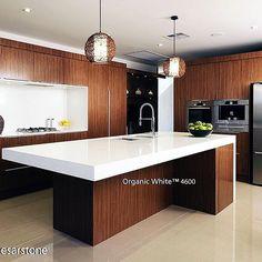 La tendencia de cocinas con tonos blancos se ve en esta isla con cubierta de cuarzo Organic White™ de Caesarstone.  #caesarstone #caesarstonemx #cocinas #cocinasmodernas #baños #tendencias #tendencias2016 #ideas #ideasparalacasa #islasdecocina #cuarzo #cubiertasdecuarzo #encimeras #marmol #granito #ambientes #quartz #archdaily #arquitectura #arquitecturamx #remodelacion #construccion #interiorismo #casasboutique #interiorismomexico #diseño #diseñointerior #quartzcountertops #marble…